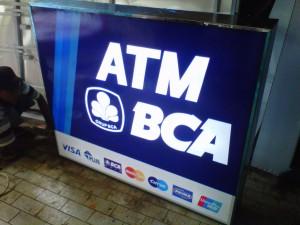 Pembuatan Neon Box ATM BCA