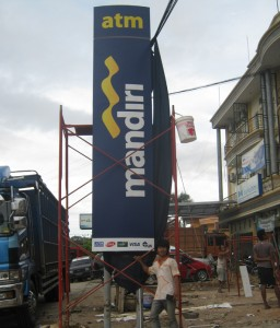 Jasa Pembuatan Berbagai Macam Model Pylon Sign di Jakarta
